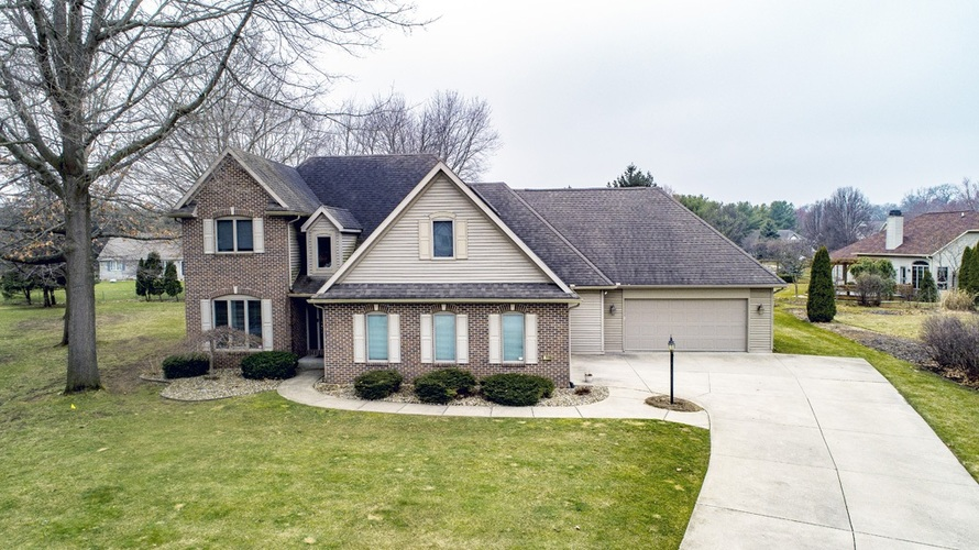 57119 Bluff Crest Drive Elkhart, IN 46516 | MLS 202011097 | photo 1