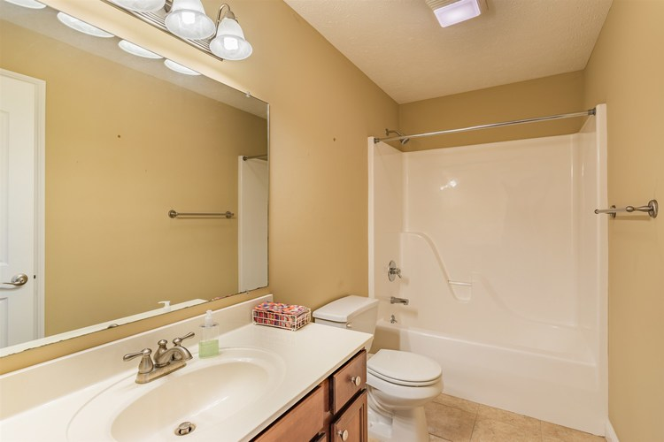 4665 Marble Drive Newburgh IN 47630-8766 | MLS 202011155 | photo 13