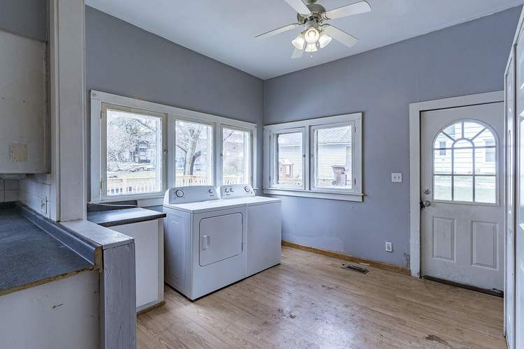 212 S Superior Street Angola IN 46703 | MLS 202011213 | photo 5