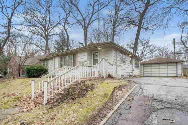 1622  Dorwood Drive South Bend, IN 46617-1706 | MLS 202011245