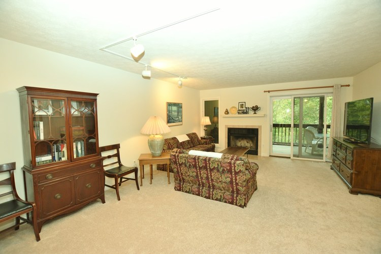 1856 E Eagle Bay Drive Bloomington IN 47401 | MLS 202011470 | photo 4