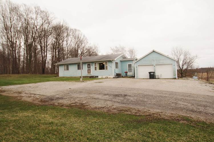 3168 E North Street Kendallville IN 46755 | MLS 202011491 | photo 2