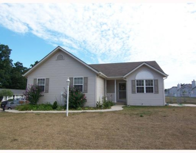 4025 Glenview Drive South Bend IN 46628 | MLS 202011564 | photo 1