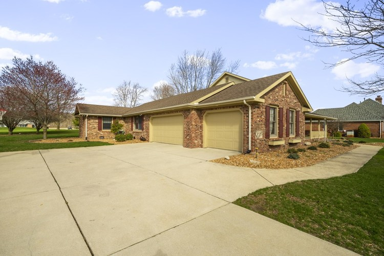 4731 GLEN MOOR Way Kokomo IN 46902 | MLS 202011719 | photo 2