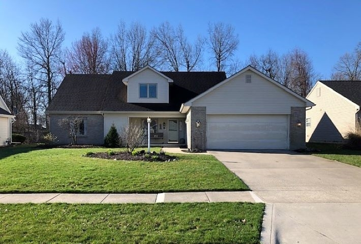 8212 Meadow Hills Drive Fort Wayne IN 46835-4737 | MLS 202011833 | photo 1