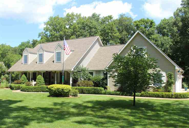 11683 N BRIARWOOD DR  Monticello, IN 47960 | MLS 202012067