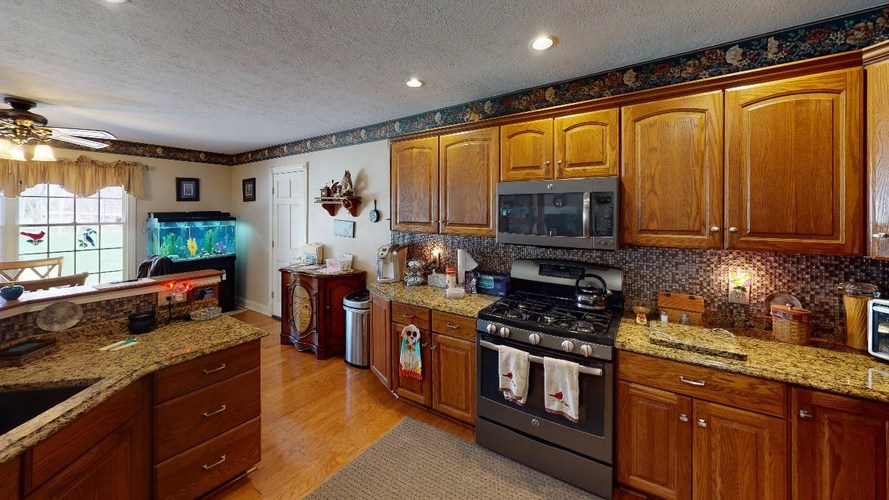 11683 N BRIARWOOD DR Monticello IN 47960 | MLS 202012067 | photo 16