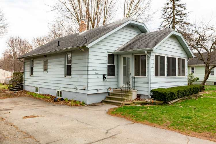 1432 Magnolia Avenue Elkhart IN 46514 | MLS 202012113 | photo 1