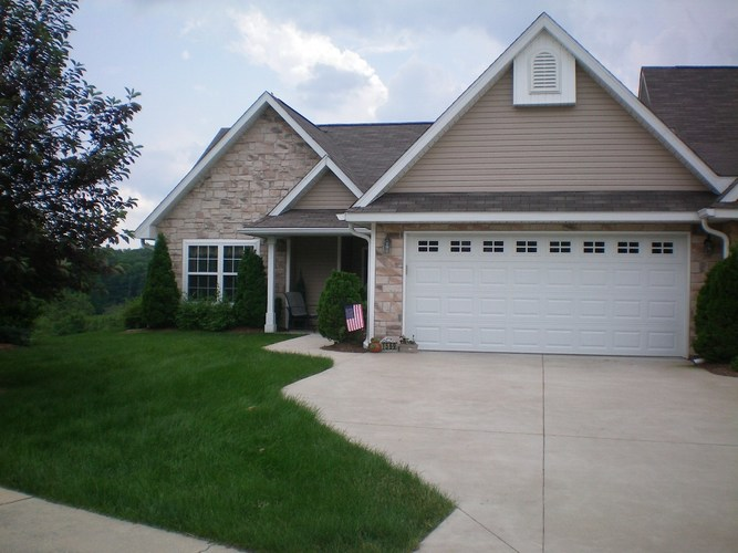 1569 S Arbor Ridge Court Bloomington IN 47403 | MLS 202012306 | photo 1