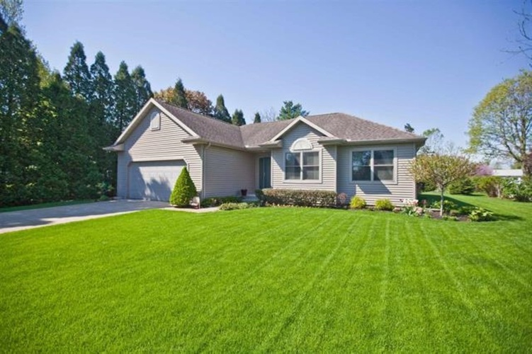 53283 Laplace Drive Middlebury IN 46540 | MLS 202013215 | photo 1