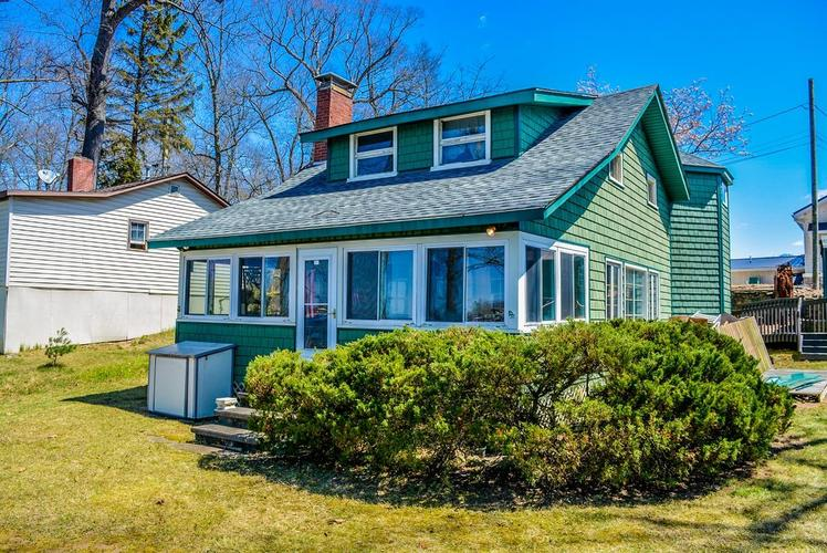 9310 E Promontory Point Drive Syracuse IN 46567 | MLS 202014012 | photo 1