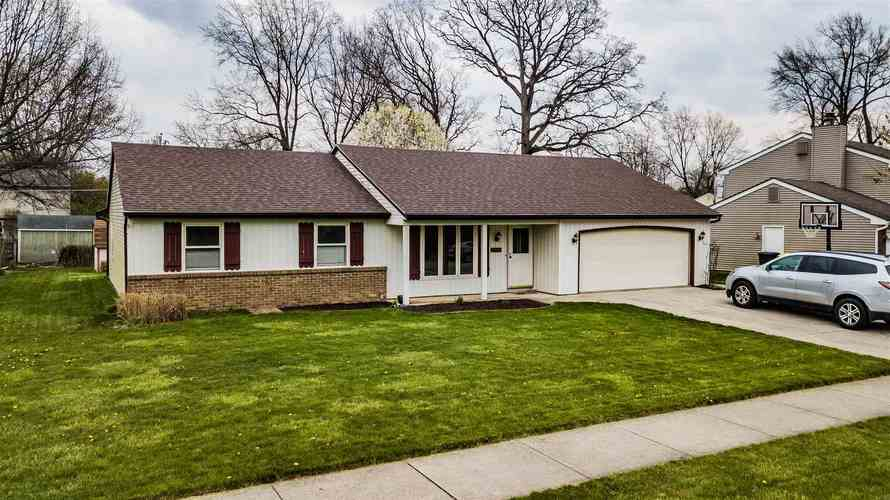 2504 Knollwood Court Fort Wayne IN 46815 | MLS 202014394 | photo 1