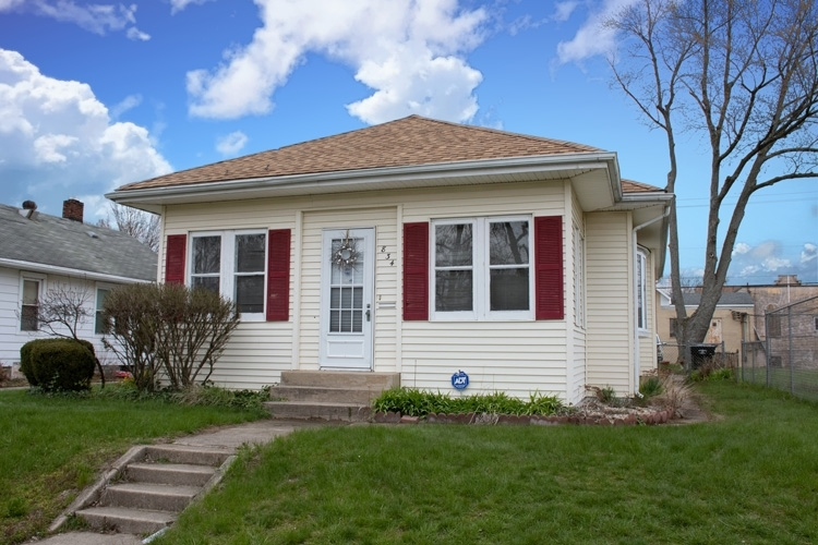 834 S 29th Street South Bend IN 46615-2240 | MLS 202014408 | photo 1