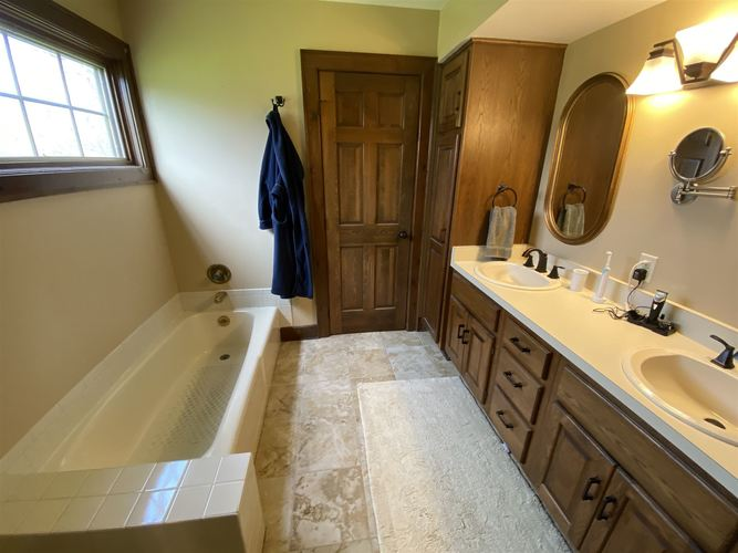 10127 Saint Joe Road Fort Wayne IN 46835 | MLS 202014796 | photo 19