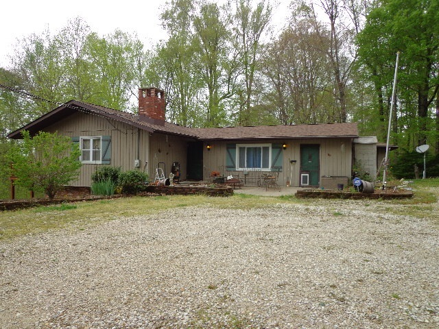 3699 E Galimore Road Bloomfield IN 47424   MLS 202015141   photo 1