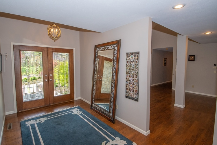 22539 Winchester Drive Elkhart IN 46514 | MLS 202015790 | photo 2