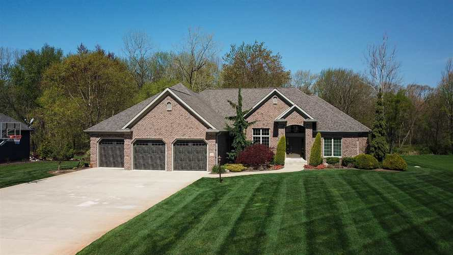 285 E Barrington Place  Warsaw, IN 46582 | MLS 202016082