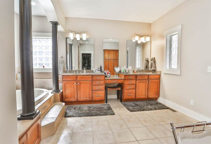 285 E Barrington Place Warsaw IN 46582 | MLS 202016082 | photo 18