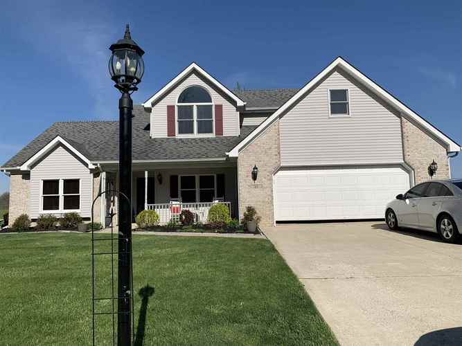 47  Clubview Drive Hartford City, IN 47348 | MLS 202016192