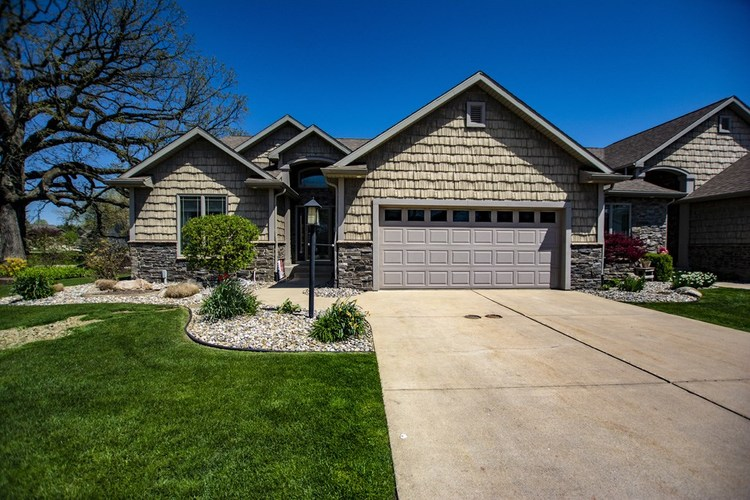 4004 Timberstone Drive Elkhart IN 46514   MLS 202016392   photo 1