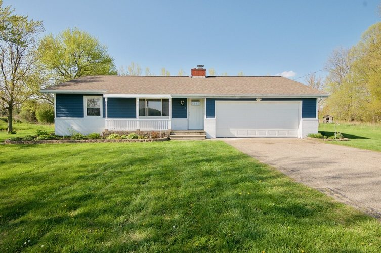 24519 Tyler Road Plymouth IN 46563 | MLS 202016528 | photo 1