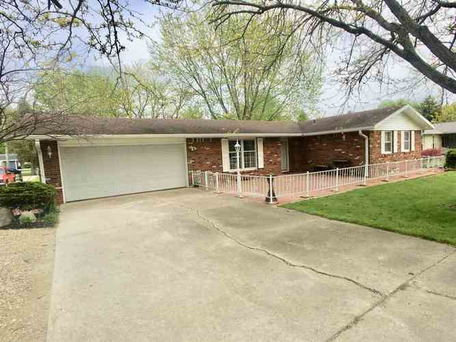 338 S Clearview Drive New Castle IN 47362 | MLS 202017108 | photo 1