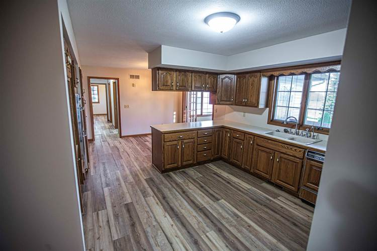 19919 Roosevelt Road South Bend IN 46614   MLS 202017326   photo 13