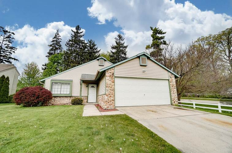 2710  Covington Pines Place Fort Wayne, IN 46804-7852 | MLS 202017382