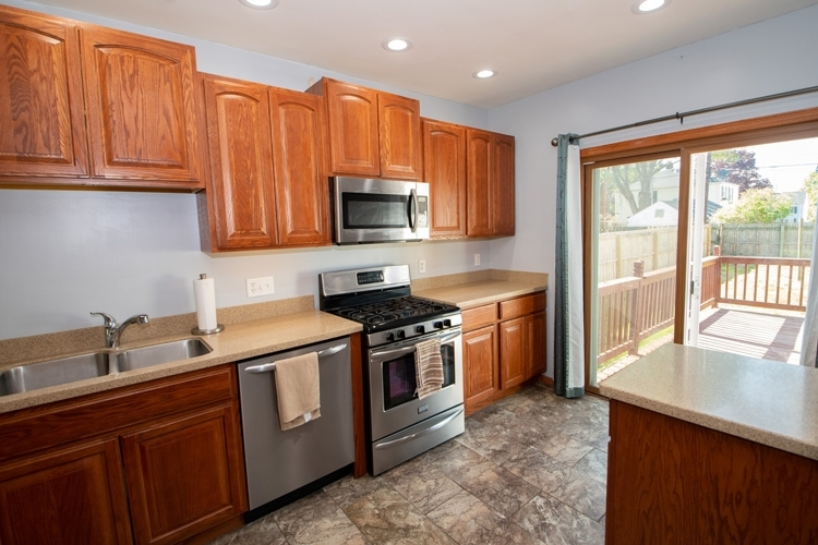 1208 E Bronson Street South Bend IN 46615 | MLS 202017455 | photo 5