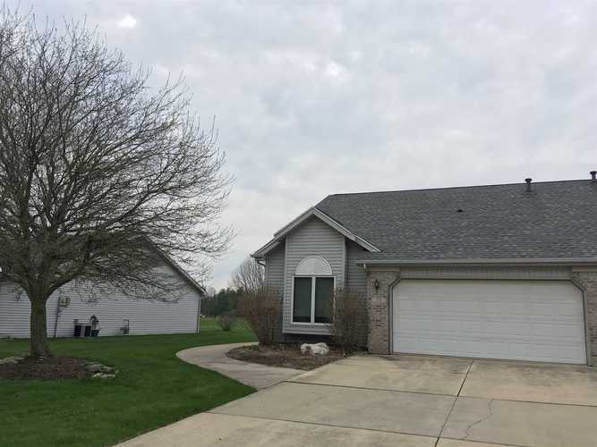39 CLUBVIEW Drive Hartford City IN 47348 | MLS 202017500 | photo 1