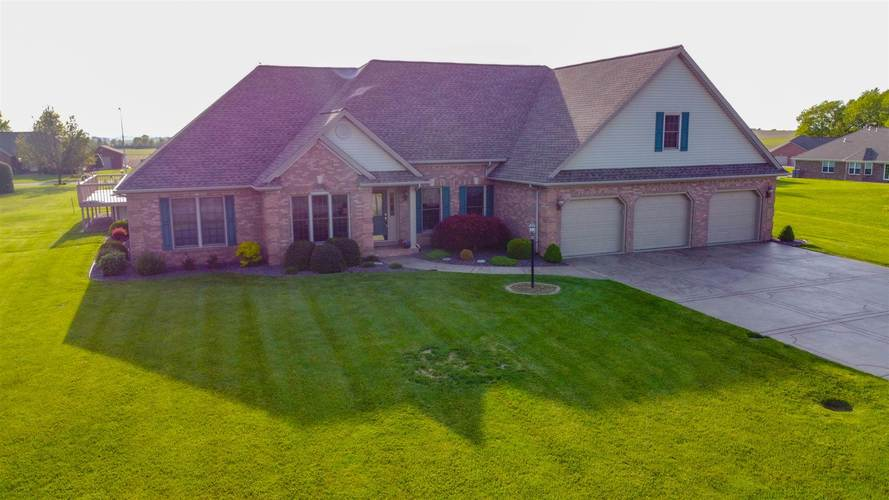 913  Chickasaw Drive Fort Branch, IN 47648 | MLS 202017527