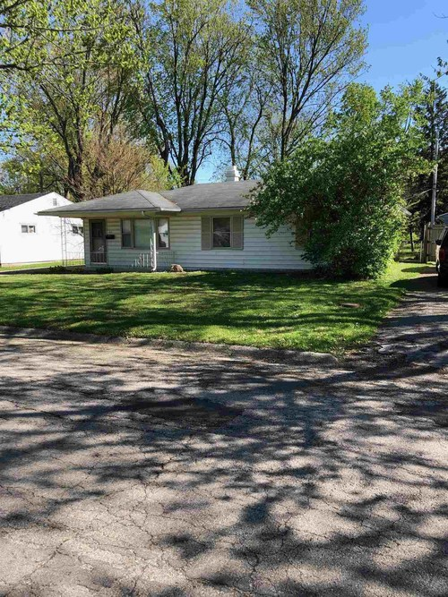 1513 W Glenn Ellyn Drive Muncie IN 47304 | MLS 202017555 | photo 1