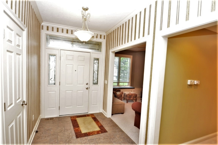 10624 Summerhill Place Fort Wayne IN 46814   MLS 202017560   photo 3