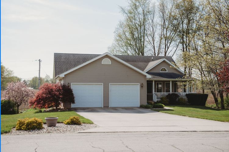 16602 Sunset Drive Plymouth IN 46563 | MLS 202017694 | photo 1