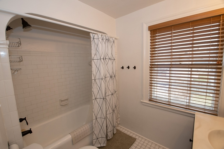 225 Marquette Avenue South Bend IN 46617 | MLS 202017715 | photo 20