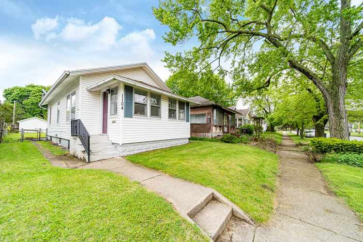 1104 S 30th Street South Bend IN 46615-1814 | MLS 202017937 | photo 1