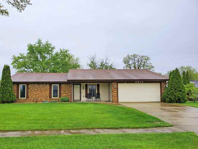 2615  White Hall Drive Fort Wayne, IN 46845-1649 | MLS 202017958
