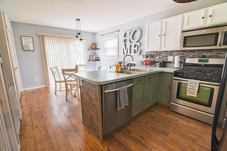 4311 Portage Road South Bend IN 46628 | MLS 202018271 | photo 7