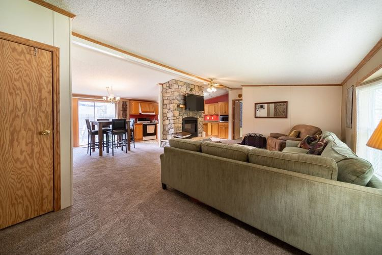 835 Northwood Drive South Bend IN 46617 | MLS 202018385 | photo 2