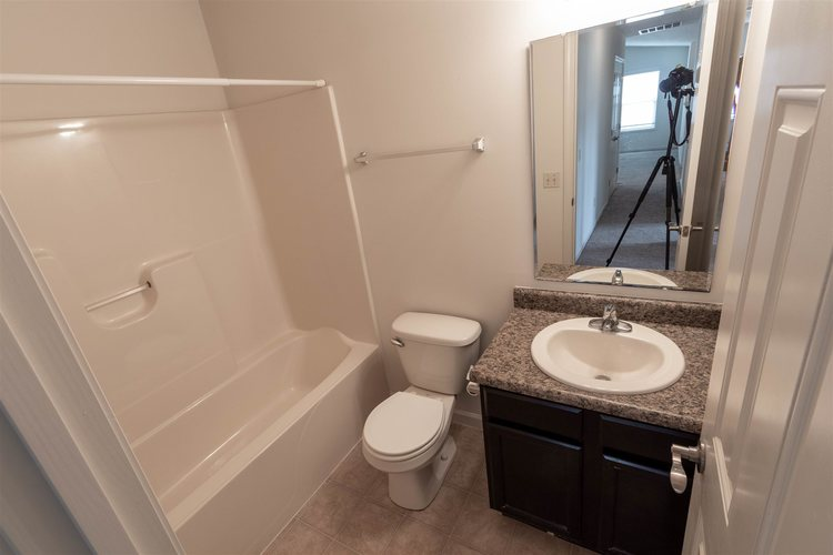 2122 Plateau Point Fort Wayne IN 46808 | MLS 202018442 | photo 15