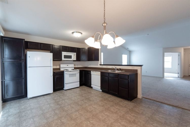 2122 Plateau Point Fort Wayne IN 46808 | MLS 202018442 | photo 7