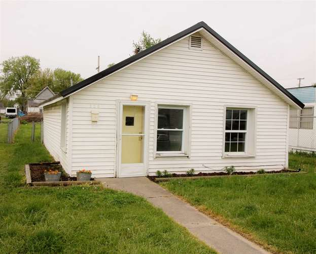 220 E South D Street Gas City IN 46933 | MLS 202018458 | photo 2