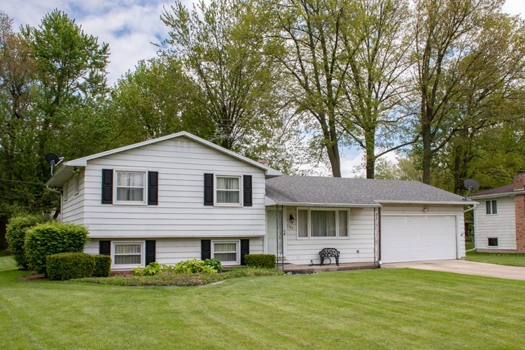 1384 Berkshire Drive South Bend IN 46614-6050   MLS 202018531   photo 1