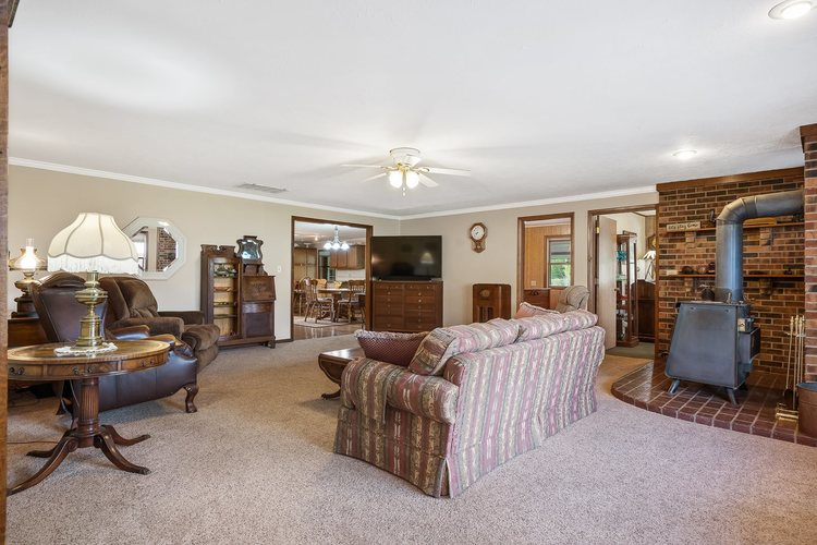2348 E Old Road 30 Warsaw IN 46582   MLS 202018713   photo 15