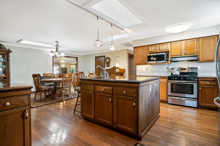2348 E Old Road 30 Warsaw IN 46582   MLS 202018713   photo 8