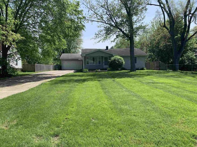 52942 Parkview Street South Bend IN 46628 | MLS 202018808 | photo 1