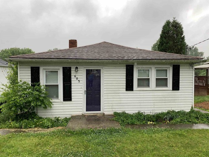 605 E Moore Street Boonville IN 47601   MLS 202019248   photo 1