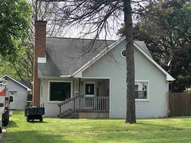 54201 Northern Avenue South Bend IN 46635-1629 | MLS 202020600 | photo 1