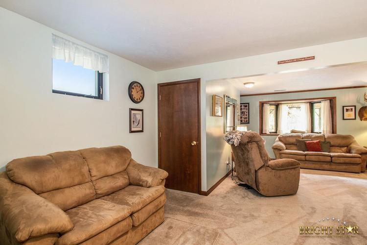 14837 County Road 108 Middlebury IN 46540 | MLS 202020806 | photo 18