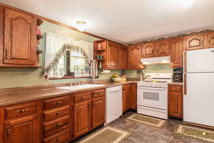 14837 County Road 108 Middlebury IN 46540 | MLS 202020806 | photo 20
